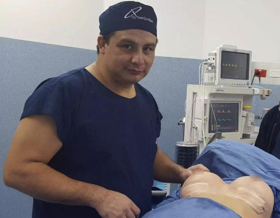 Implantes submamarios - Dr. Milton Rincón